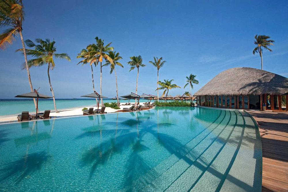 halaveli maldives 1.jpg