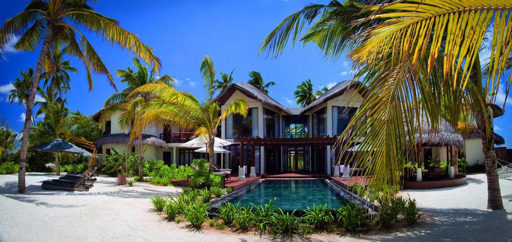 halaveli maldives 2.jpg