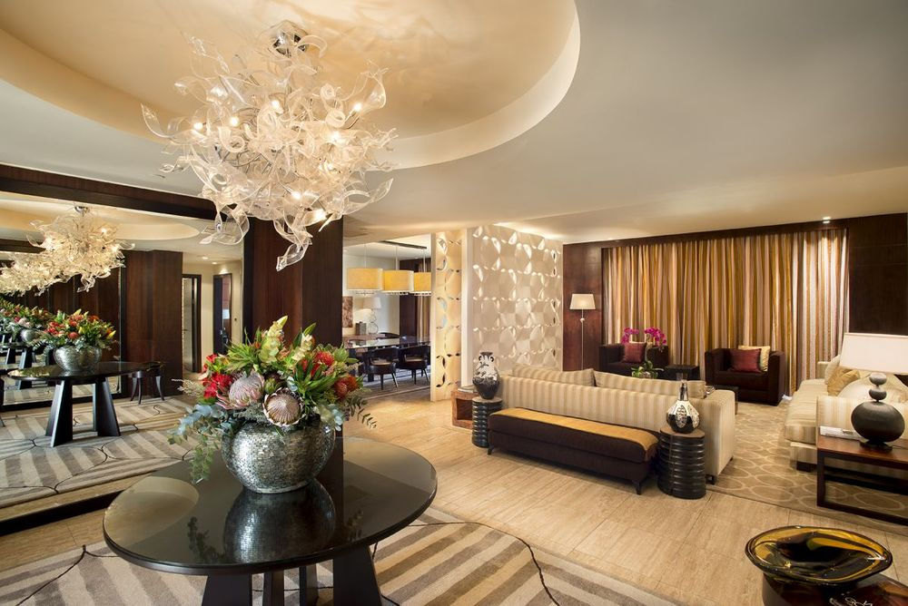 Presidential Suite Foyer & Lounge