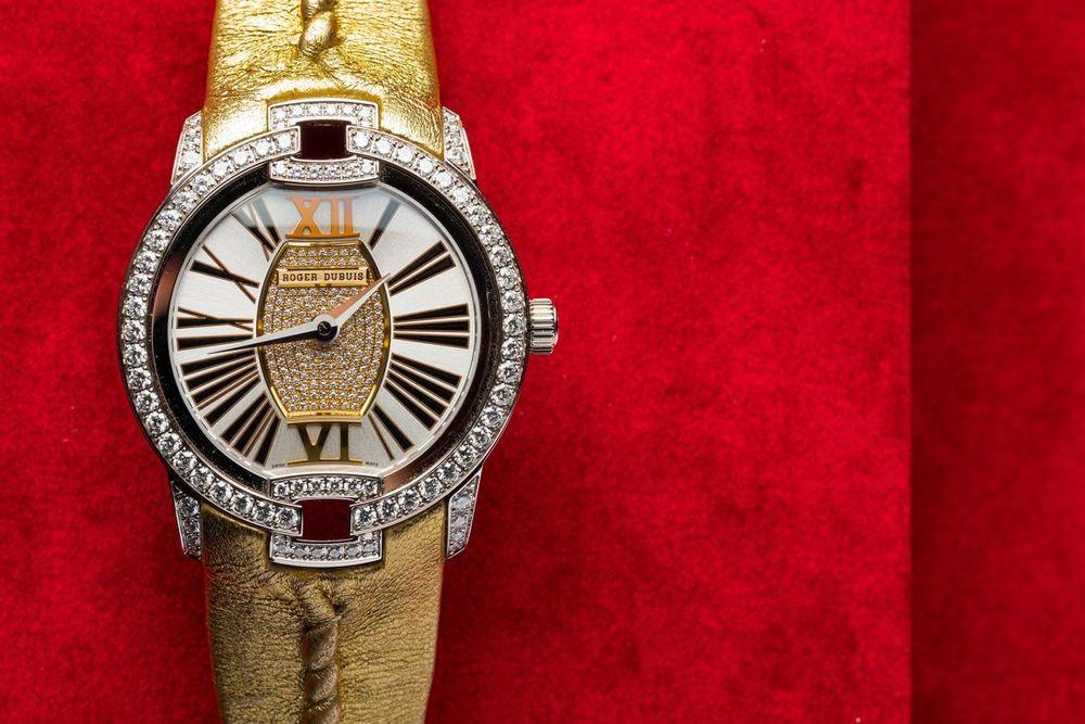 velvet watch 2.jpg