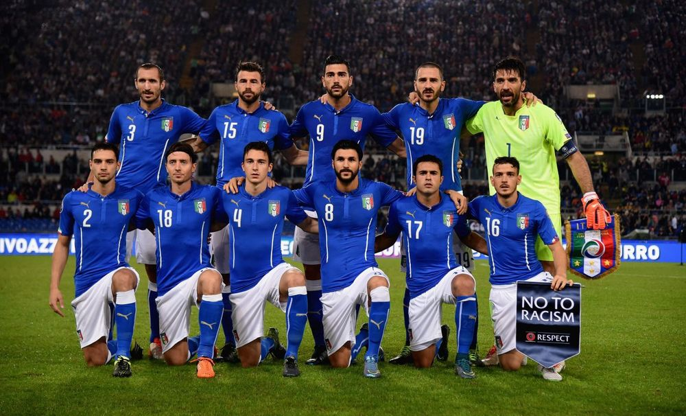 Italy pose prior to the UEFA EURO 2016 Qualifier