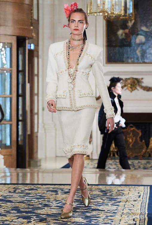 17A1.jpg.fashionImg.look-sheet.hi.jpg