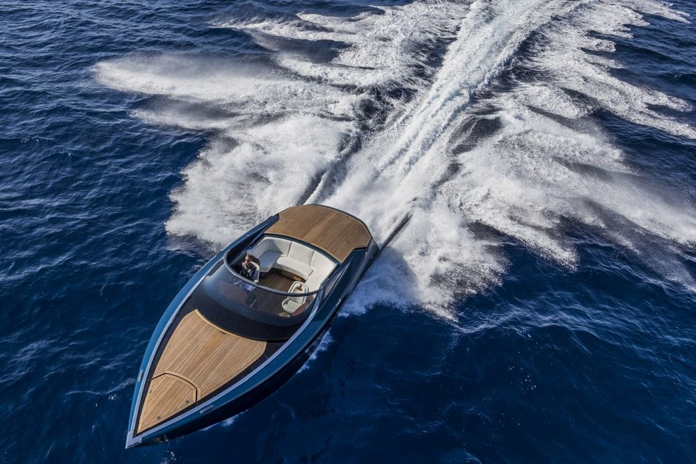 aston powerboat 9.jpg