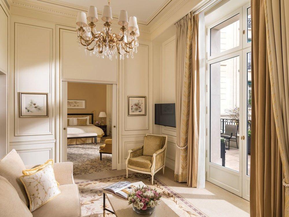 shangrila paris luxury accommodation.jpg