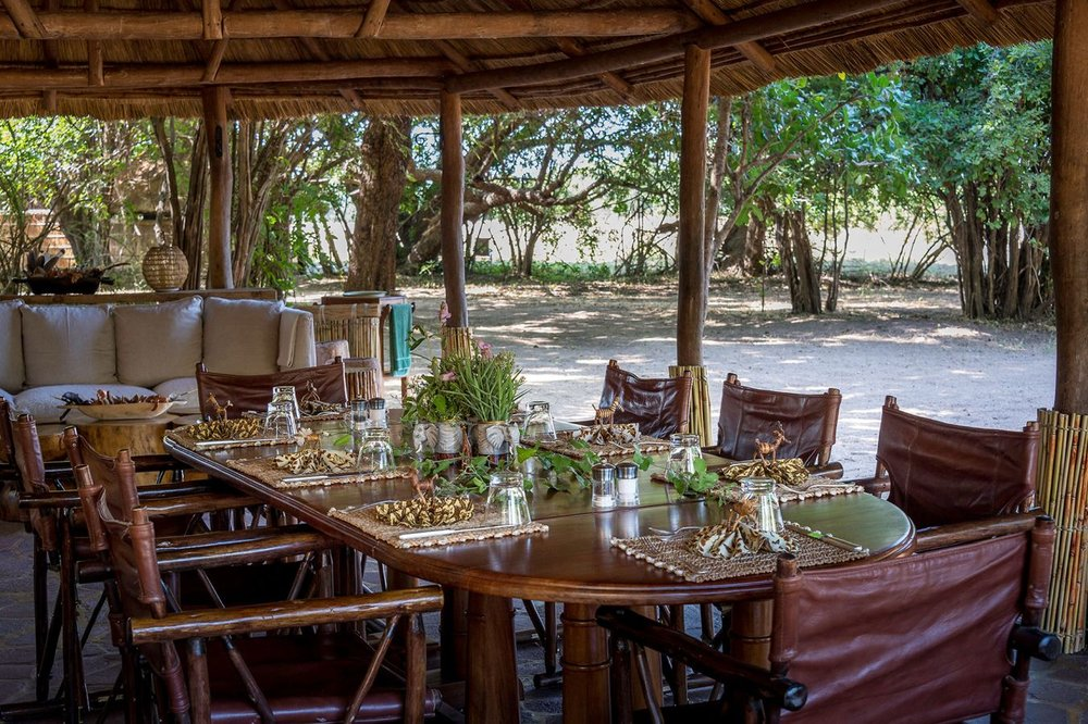 THE-BUSHCAMP-COMPANY---Kuyenda---guest-lounge-and-dining.jpg