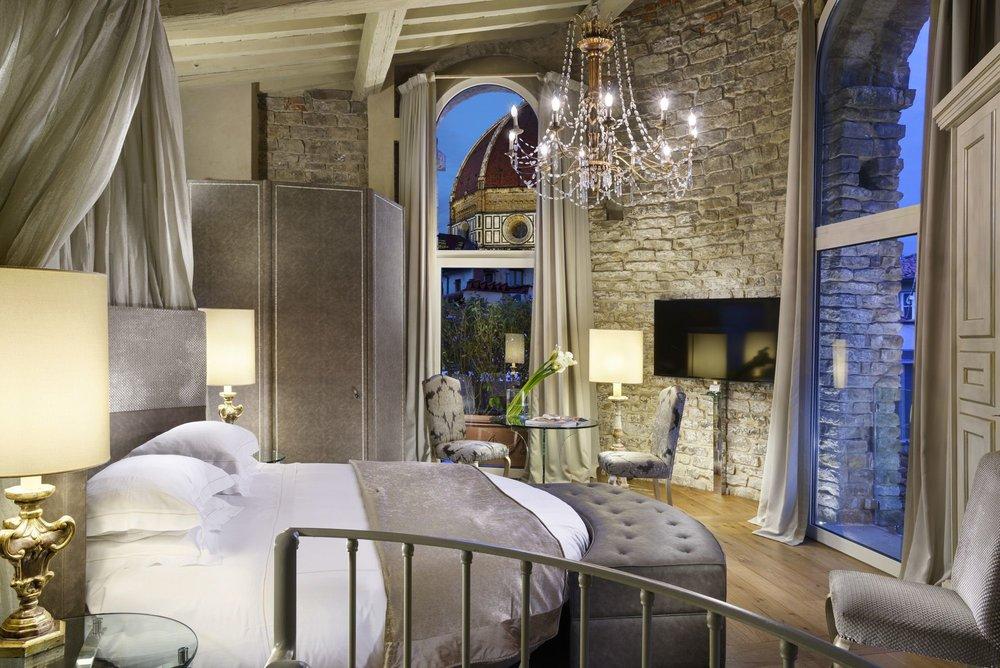 florence hotel suite.jpg