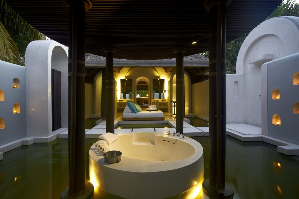 maldives luxury 2.jpg