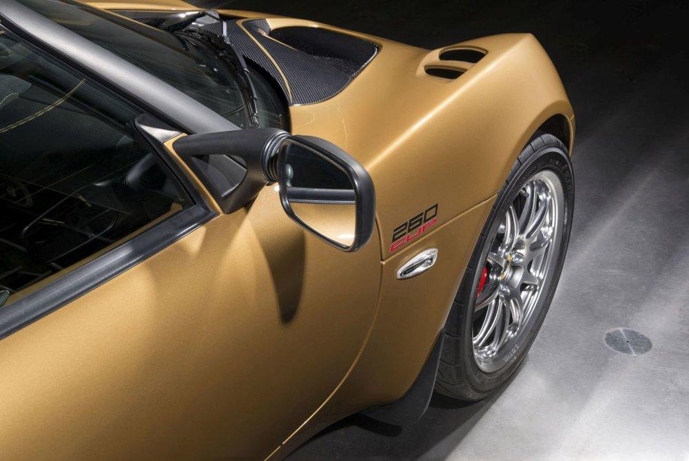 2017-Lotus-Elise-Cup-260-02.jpg