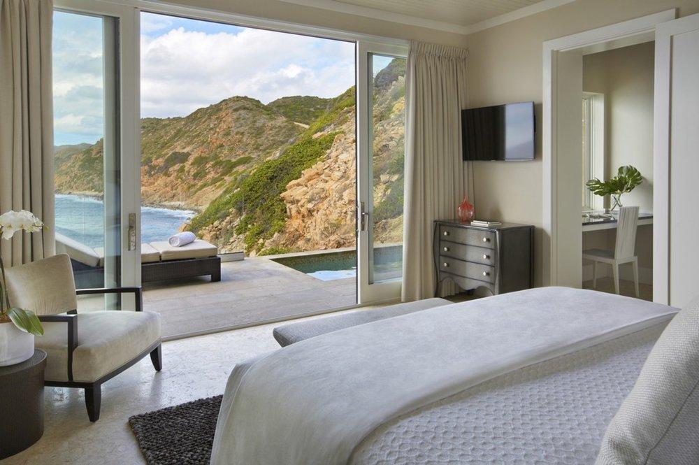 oil nut bay cliff villa suites.jpg