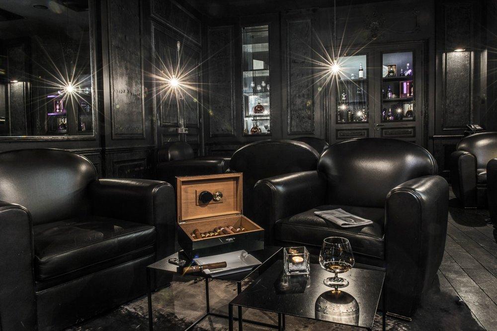 la maison cigar bar.jpg