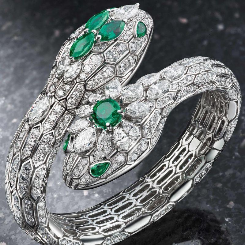 bulgari-serpenti-misteriosi-diamond-and-gold-jewellery-watch.jpg__1536x0_q75_crop-scale_subsampling-2_upscale-false.jpg