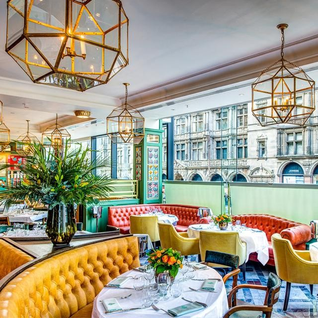 A staple piece of the #London #dining scene since 1917, @theivywestst is an epitome of glamour, especially after last year's refurbishment! Tag someone you'd indulge with in #delicious food here!  #TheIvy #londonrestaurants #londoneats #londondining #finedining #foodie #tasty #dineinlondon #tasteoflondon #londonfood #londonfoodie #welcometolondon #hungry #foodielife #foodiefix #tastethisnext #instafood #lovefood #forkyeah #foodstagram #baroquelifestyle