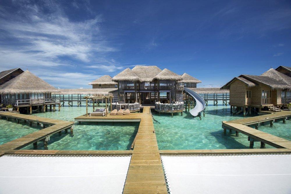STAY IN THE MALDIVES IN A $14,000 PER NIGHT VILLA