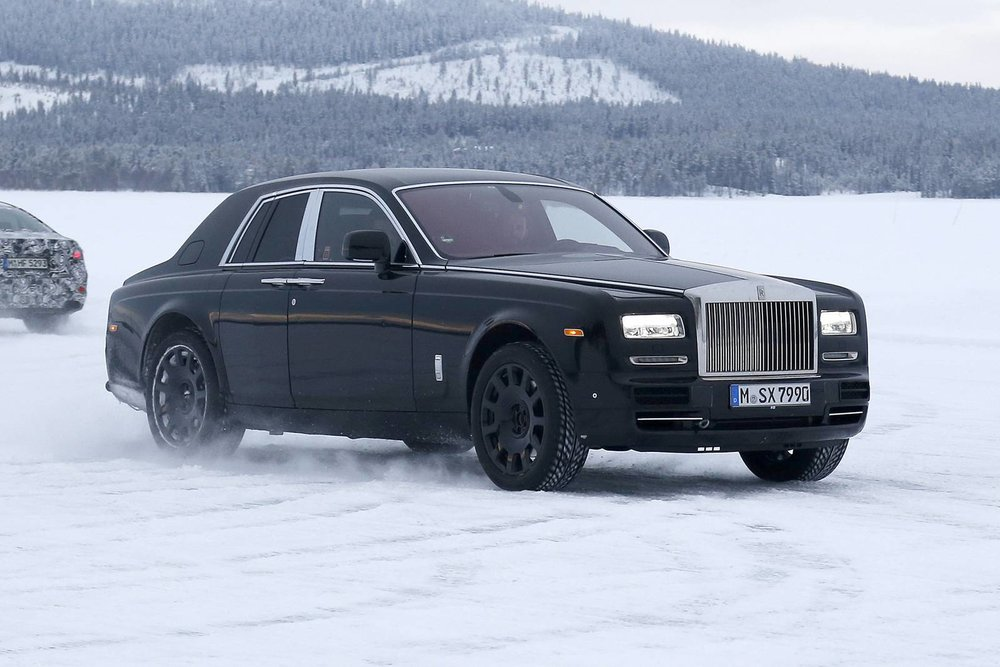 Rolls-Royce-Cullinan-Mule-003.jpg