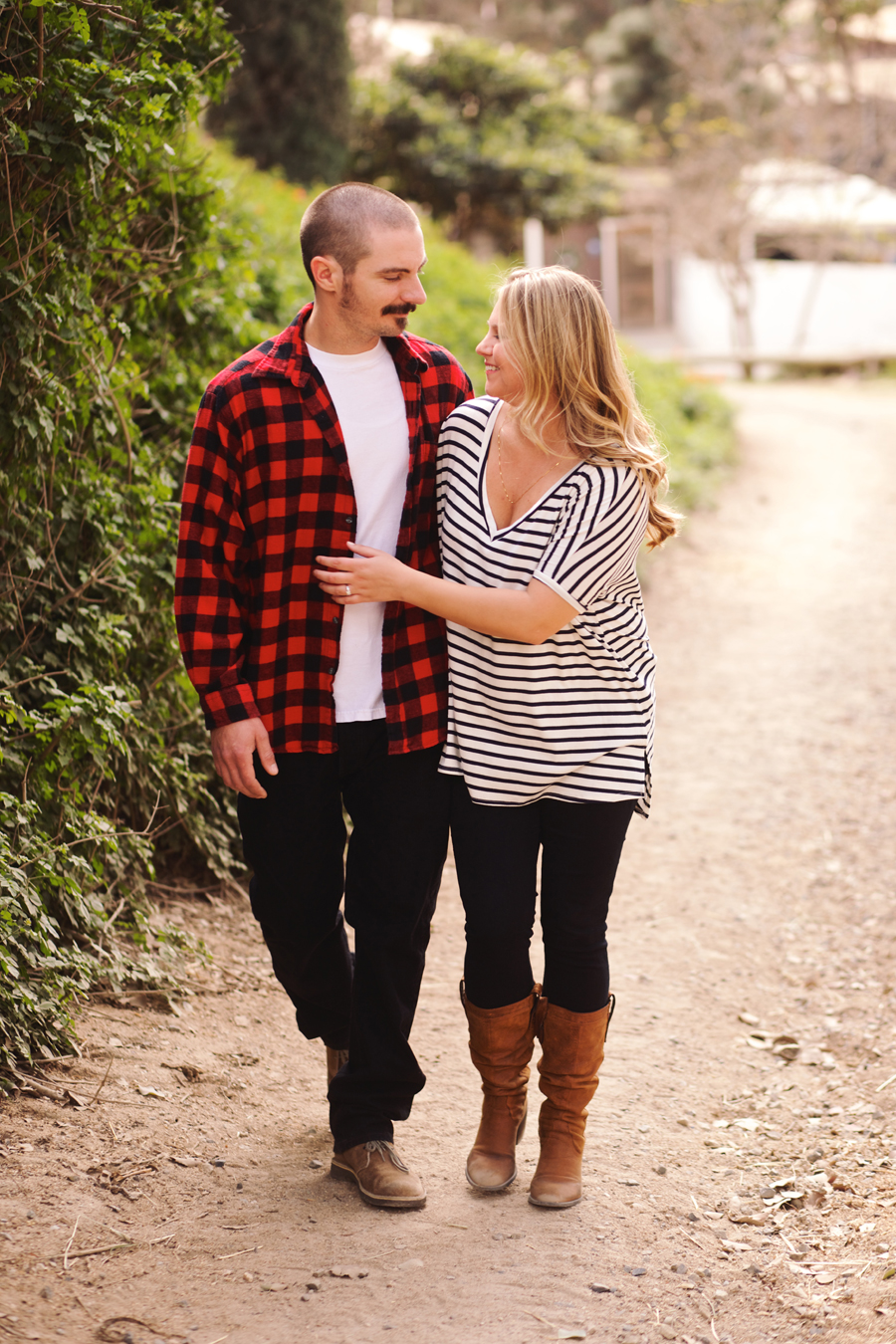 Red-Barn-Huntington-Beach-Engagement009.jpg
