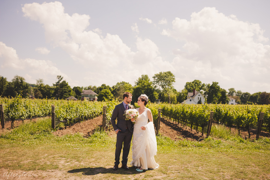Afterglow_ShelbyAdam_Ravine_Vineyard_Wedding_Photography_Niagara055.jpg