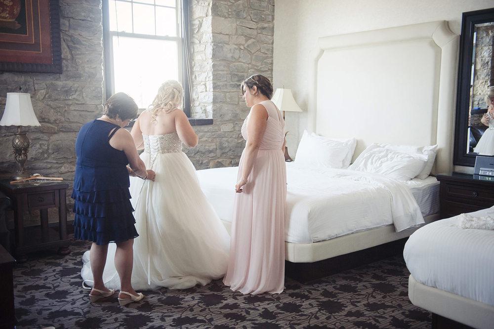 St-Catharines-Wedding-Stone-Mill-Inn-Amy-Darryl-photography-by-Morgan-Falk-015.JPG