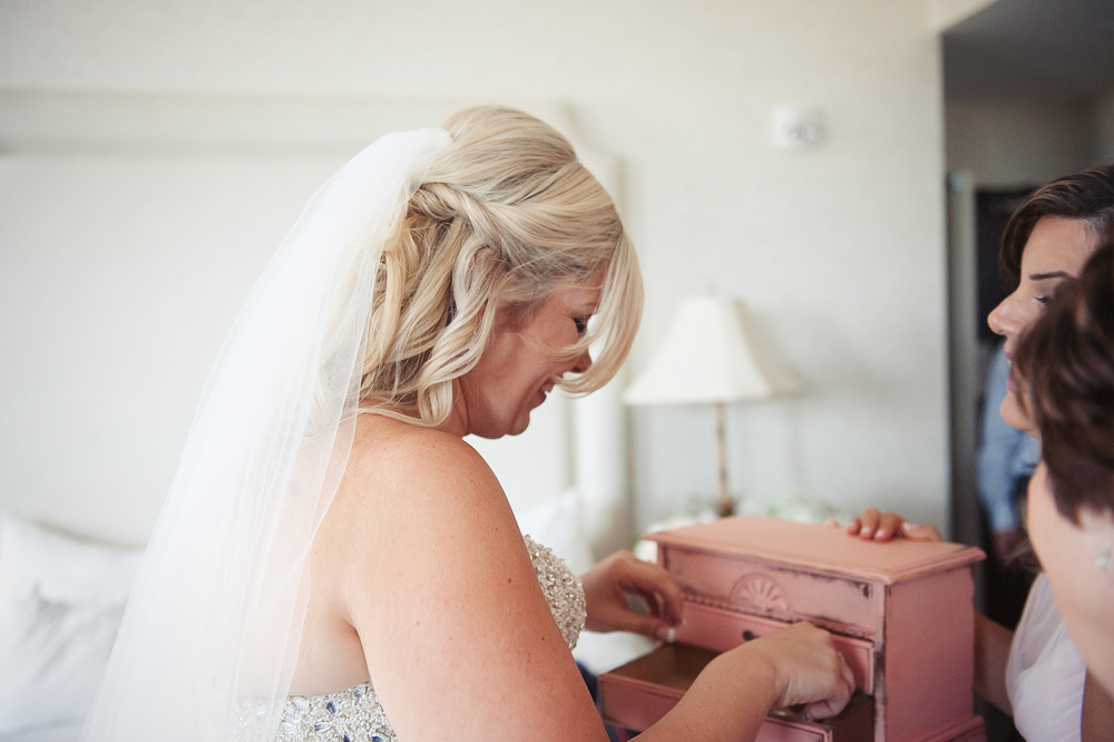 St-Catharines-Wedding-Stone-Mill-Inn-Amy-Darryl-photography-by-Morgan-Falk-019.JPG