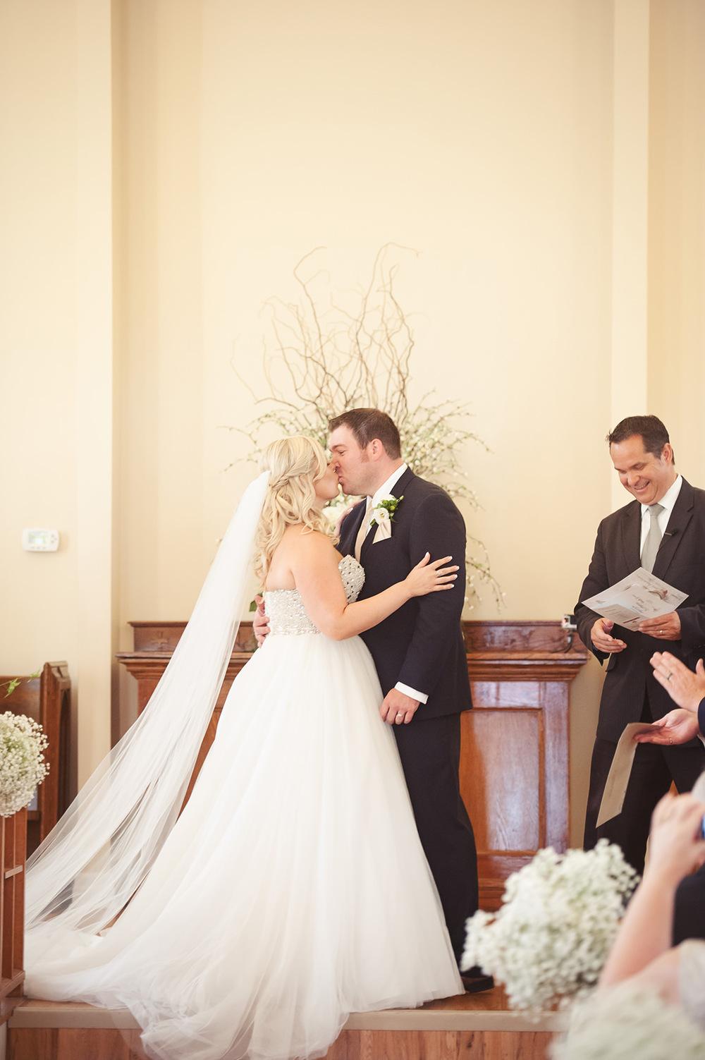 St-Catharines-Wedding-Stone-Mill-Inn-Amy-Darryl-photography-by-Morgan-Falk-029.JPG
