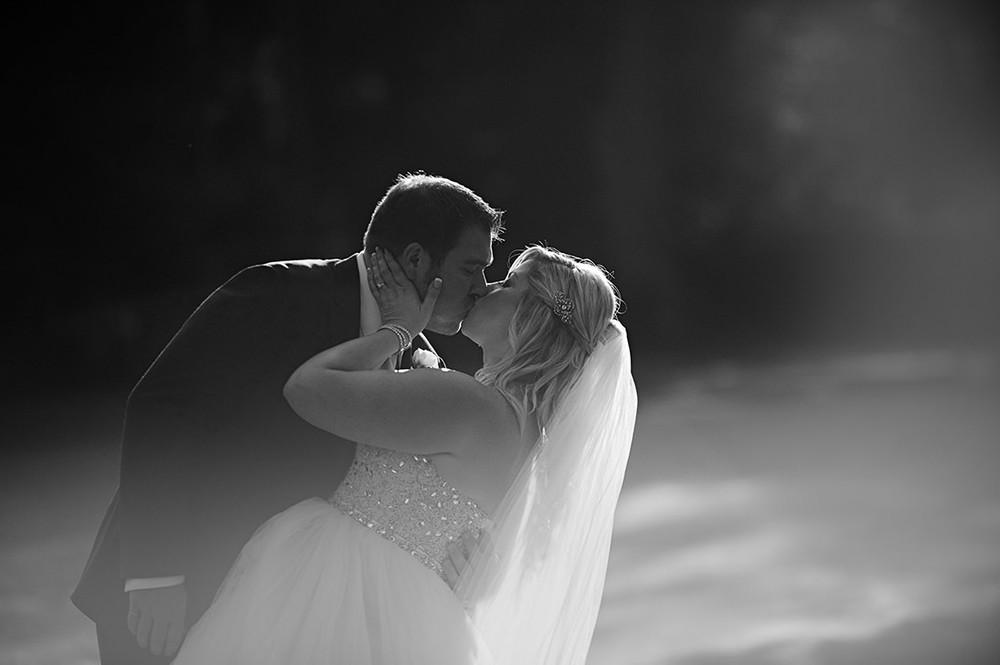 St-Catharines-Wedding-Stone-Mill-Inn-Amy-Darryl-photography-by-Morgan-Falk-052.JPG