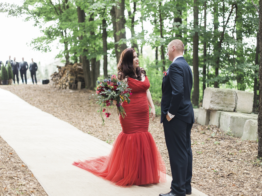Waterdown-Backyard-Wedding-Blair-Matt-photography-by-Kurtz-Orpia013.jpg