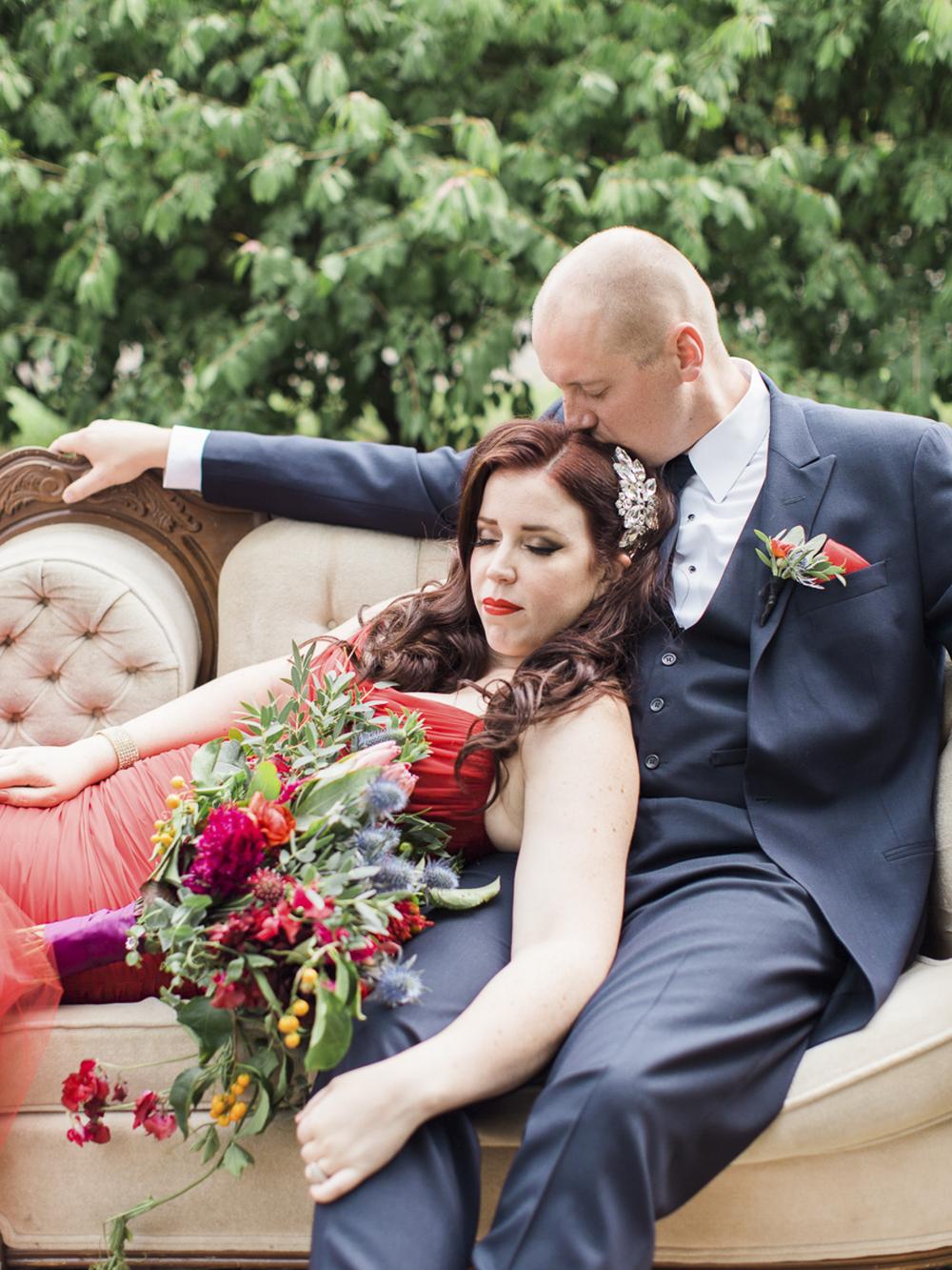 Waterdown-Backyard-Wedding-Blair-Matt-photography-by-Kurtz-Orpia017.jpg