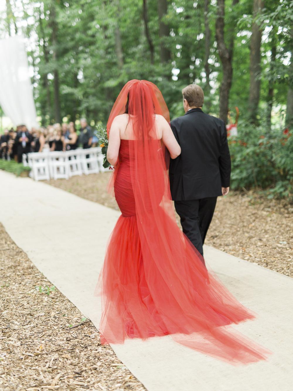 Waterdown-Backyard-Wedding-Blair-Matt-photography-by-Kurtz-Orpia028.jpg
