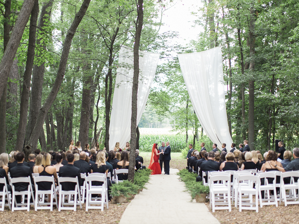 Waterdown-Backyard-Wedding-Blair-Matt-photography-by-Kurtz-Orpia029.jpg