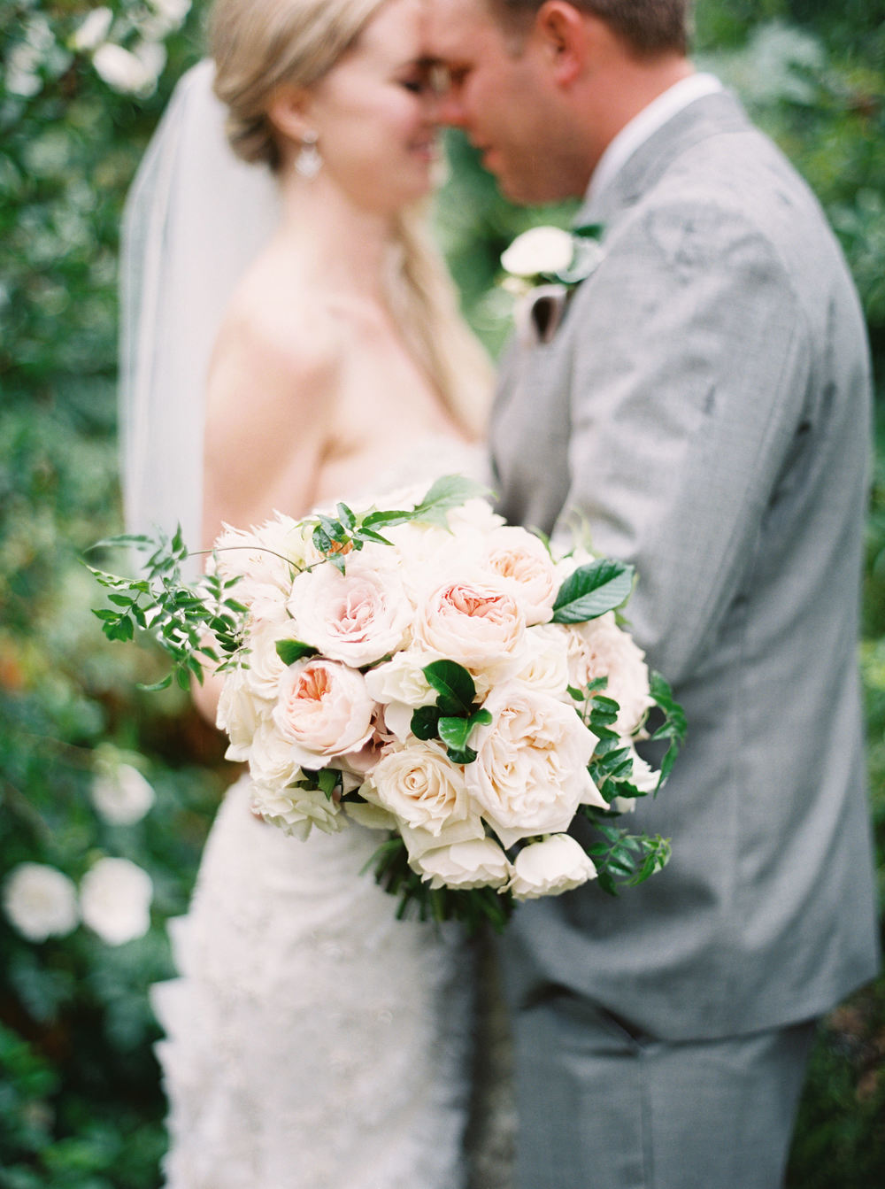 Kurtz-Orchards-Niagara-on-the-Lake-Wedding-photography-by-When-He-Found-Her-034.JPG
