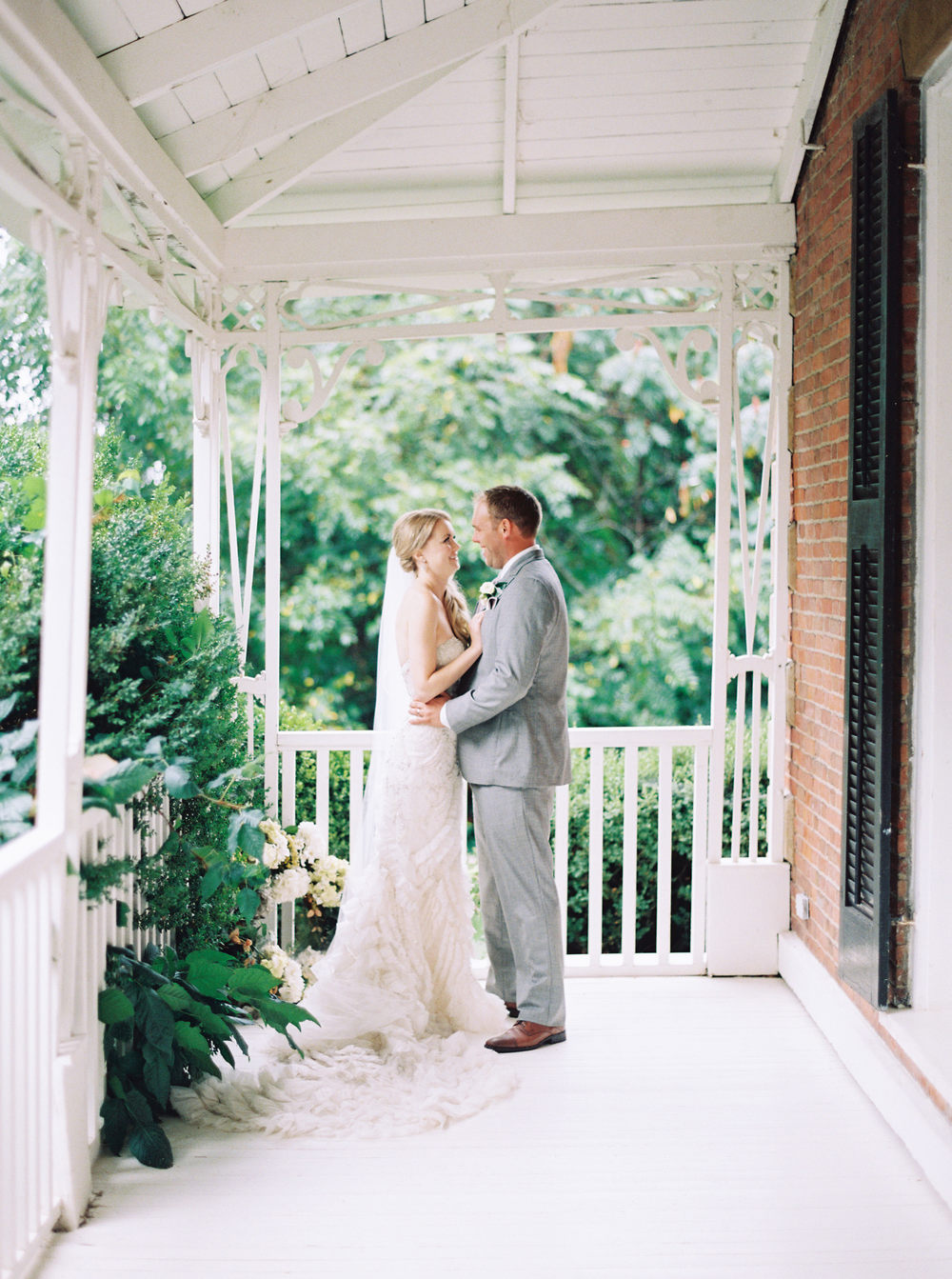 Kurtz-Orchards-Niagara-on-the-Lake-Wedding-photography-by-When-He-Found-Her-062.JPG
