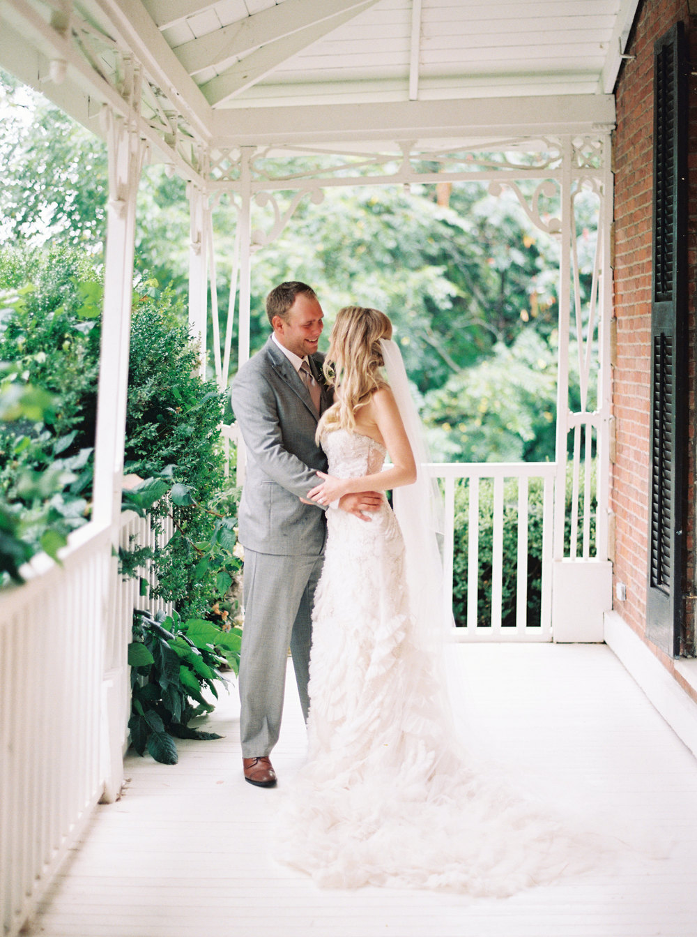 Kurtz-Orchards-Niagara-on-the-Lake-Wedding-photography-by-When-He-Found-Her-067.JPG