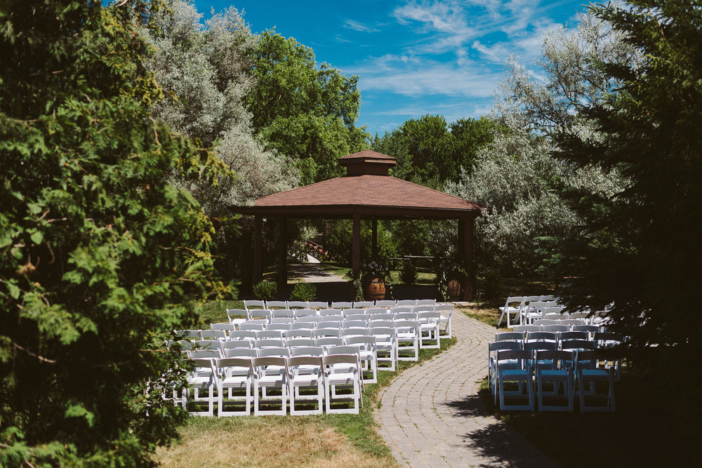 Kurtz Orchard wedding - A Brit & A Blonde-21.jpg