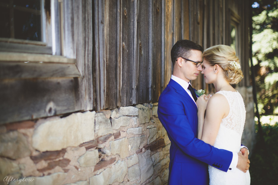 031-old-barn-wedding-photography-niagara.jpg