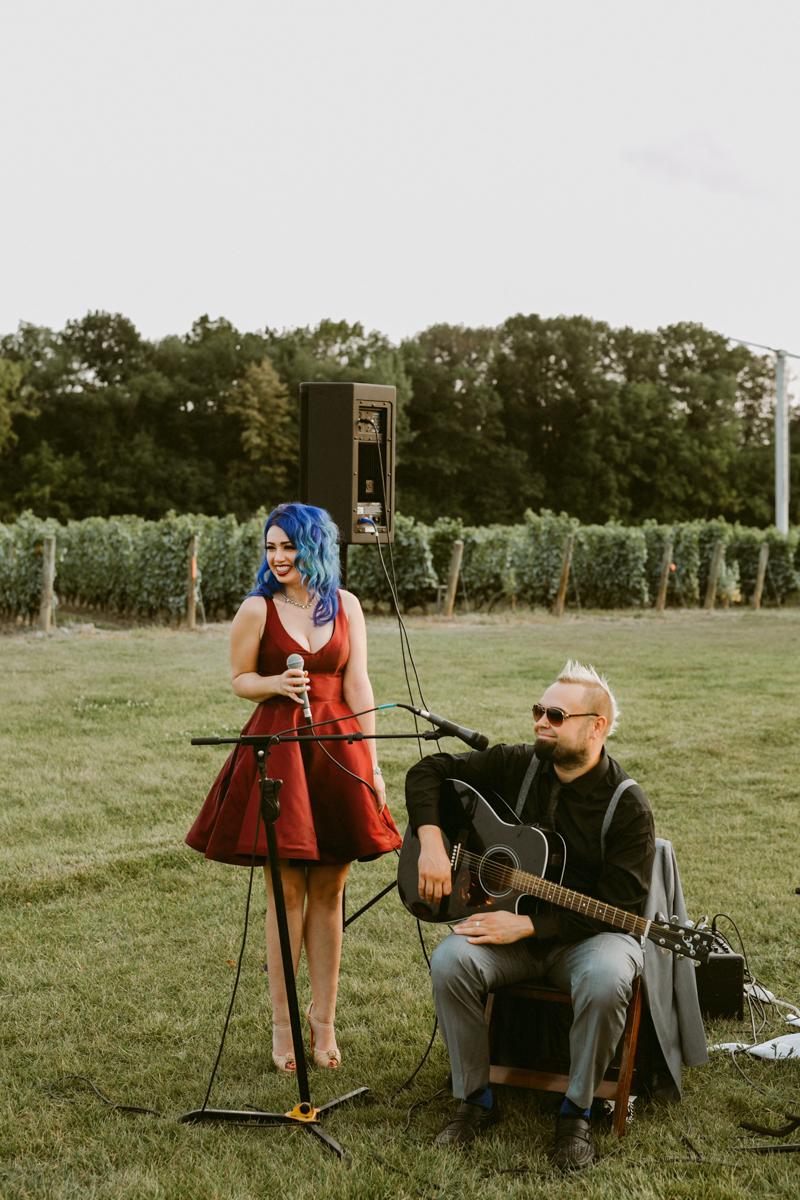vineyard-bride-niagara-wedding-chateau-des-charmes-vineyard-wedding-harvest-tables-tent-swish-list040.jpg