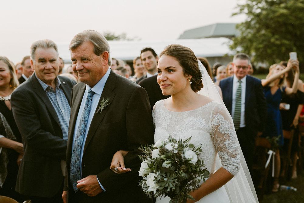 vineyard-bride-niagara-wedding-chateau-des-charmes-vineyard-wedding-harvest-tables-tent-swish-list042.jpg