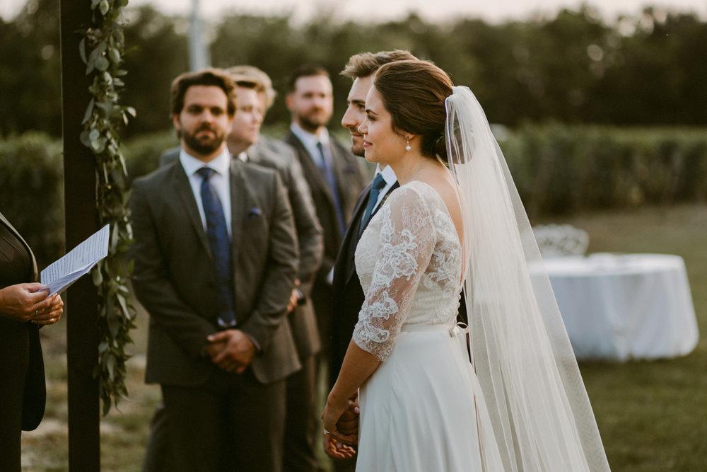 vineyard-bride-niagara-wedding-chateau-des-charmes-vineyard-wedding-harvest-tables-tent-swish-list044.jpg