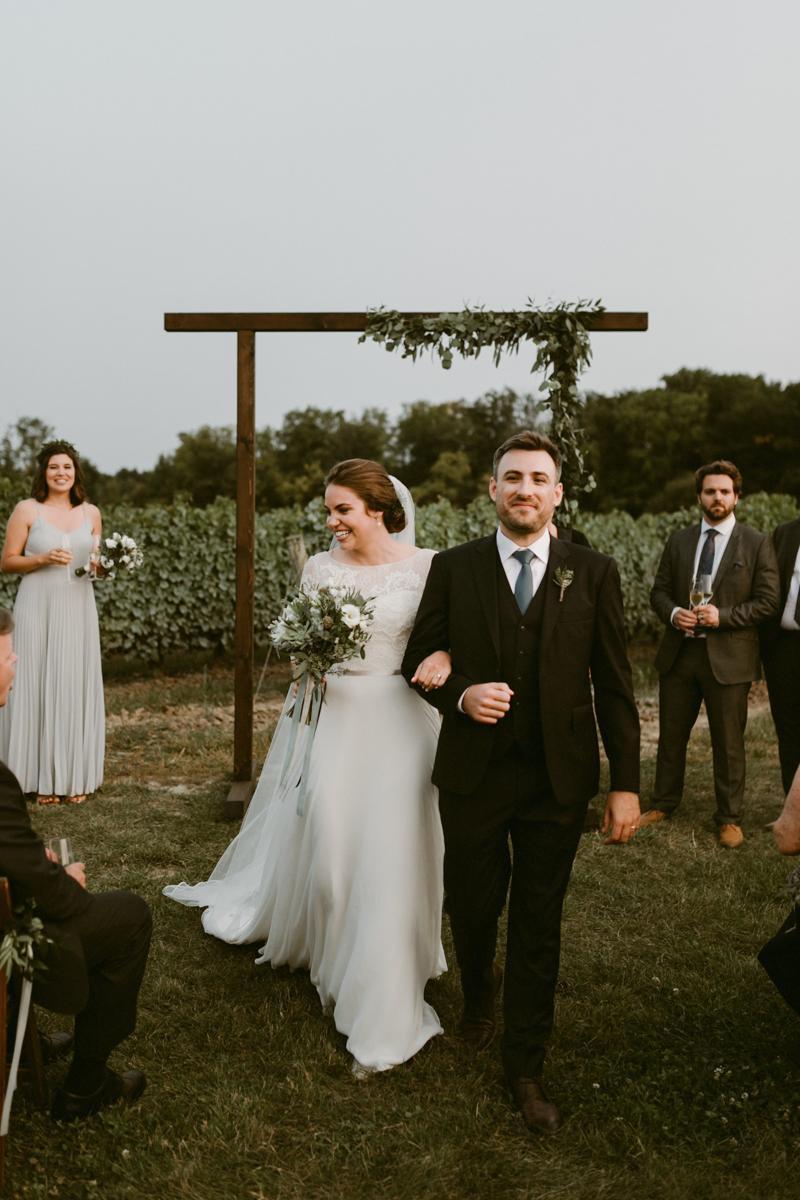 vineyard-bride-niagara-wedding-chateau-des-charmes-vineyard-wedding-harvest-tables-tent-swish-list053.jpg