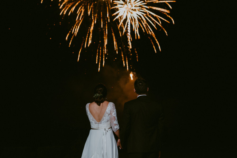 vineyard-bride-niagara-wedding-chateau-des-charmes-vineyard-wedding-harvest-tables-tent-swish-list056.jpg