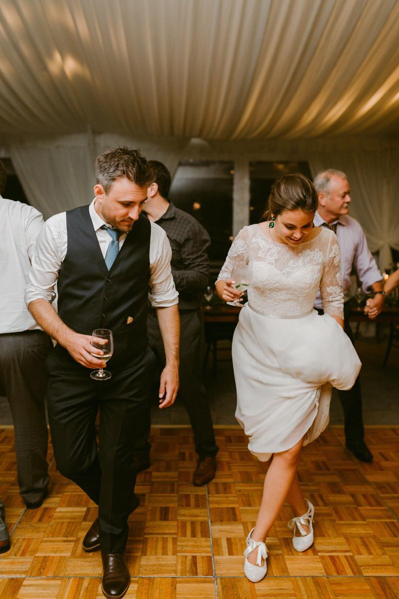 vineyard-bride-niagara-wedding-chateau-des-charmes-vineyard-wedding-harvest-tables-tent-swish-list058.jpg