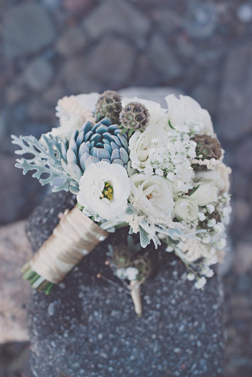 Grimbsy-Beach-Editorial-Vineyard-Bride-photo-by-Destiny-Dawn-Photography-003.JPG