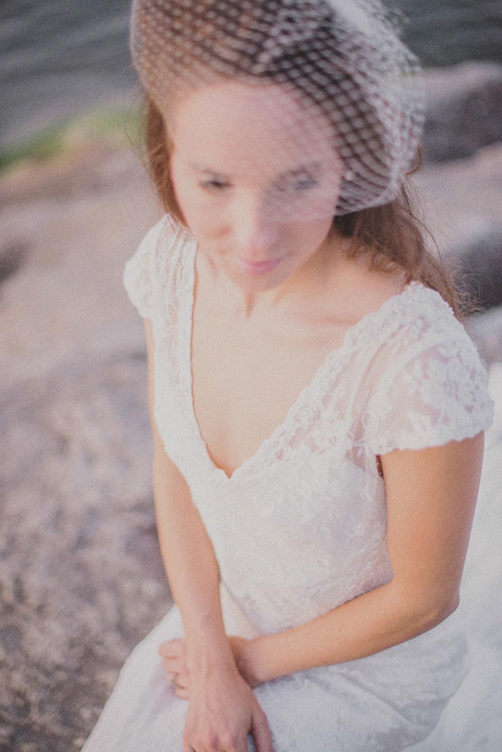 Grimbsy-Beach-Editorial-Vineyard-Bride-photo-by-Destiny-Dawn-Photography-013.JPG