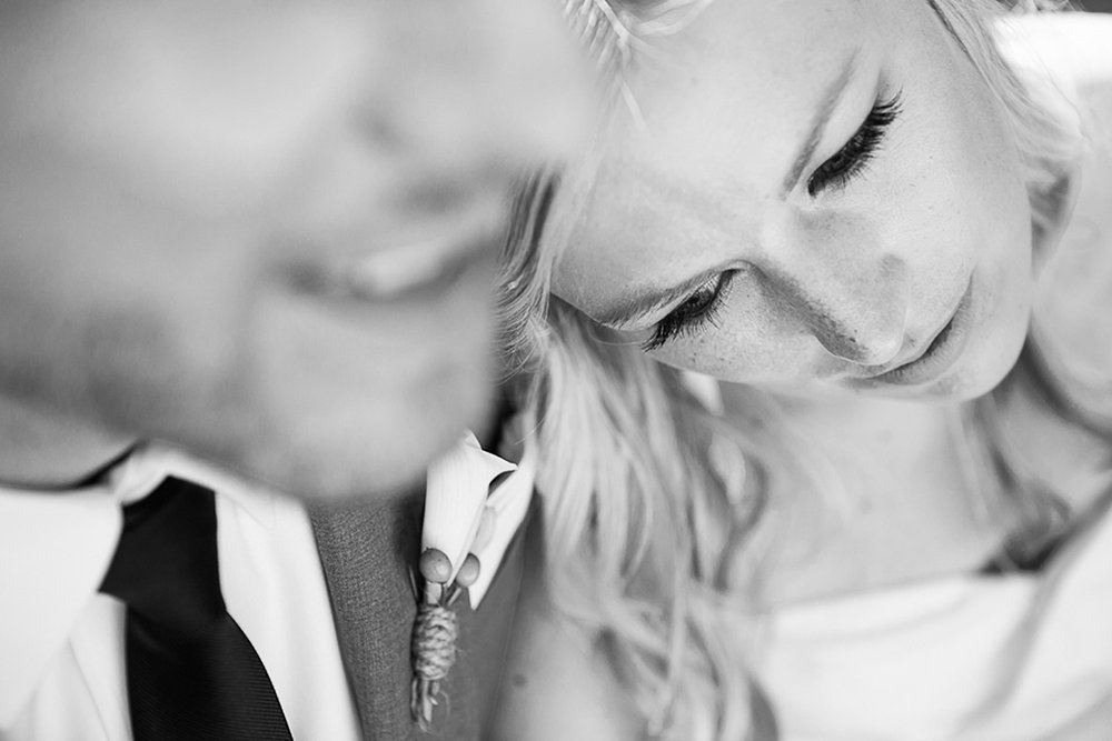 Ravine-Vineyard-Wedding-Vineyard-Bride-Photo-By-Andrew-Mark-Photography-028.jpg
