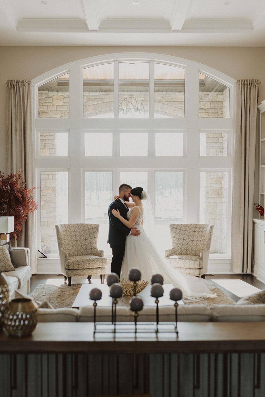 scarlet-lens-photography-the-swish-list-vineyard-bride-southern-ontario-wedding-photographer-001.jpg