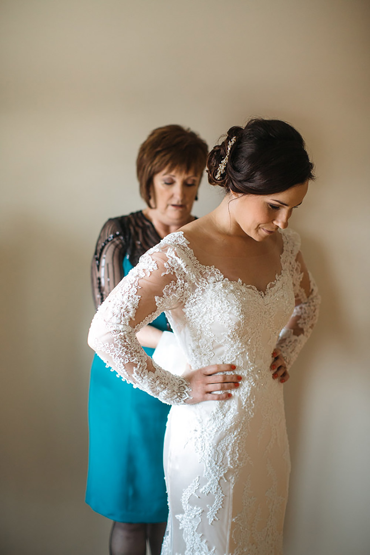 Winter-Wedding-Ridley-College-Stone-Mill-Inn-Vineyard-Bride-Photography-by-Joel-Hannigan-Photography-011.jpg