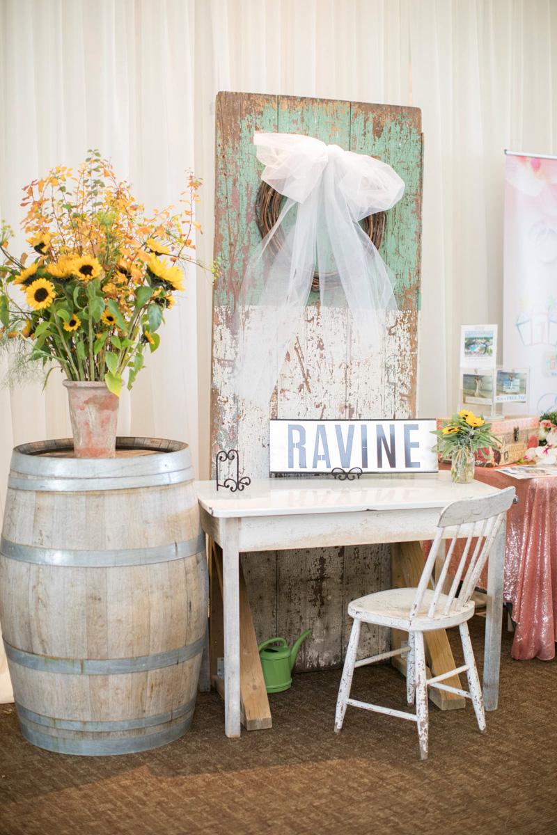 vineyard-bride-the-first-look-wedding-show-niagara-toronto-11.jpg
