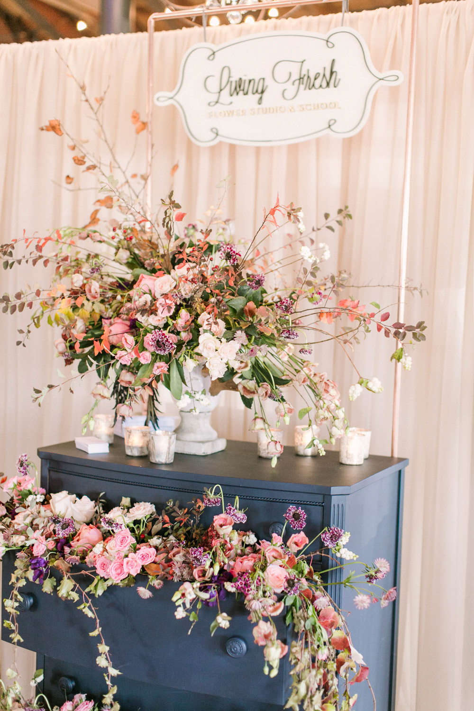 vineyard-bride-the-first-look-wedding-show-anniversary-niagara-toronto016.jpg