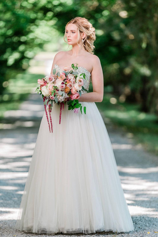 Kurtz-Orchards-Niagara-on-the-Lake-Styled-Wedding-Session-Shotlife-Studio-Calderone-Co-Luxury-Events-Vineyard-Bride-35.JPG