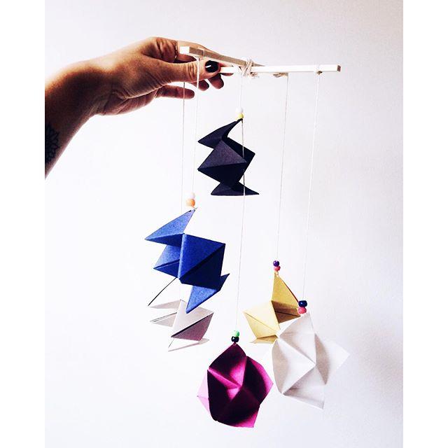 Atelier de mobile origami pour enfants