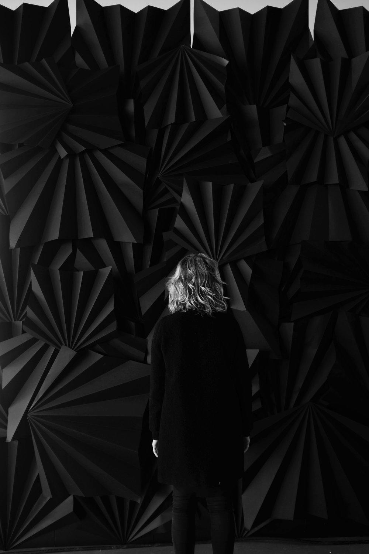 Black Wall, notre installation éphémère au Centre des sciences de Montréal.