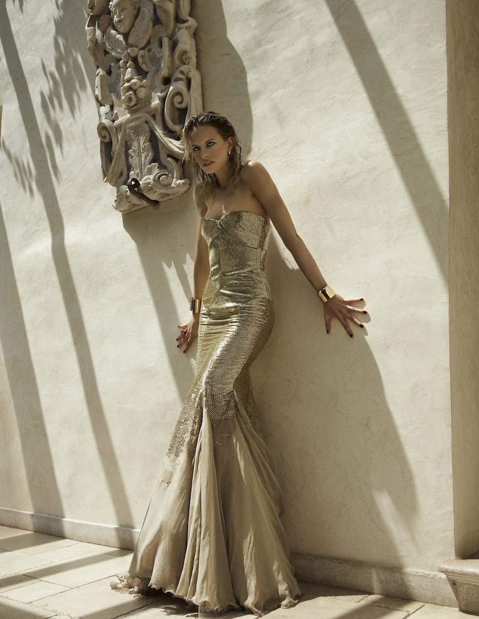 Karolina Kurkova by Miguel Reveriego (The Last Emperor - Vogue Spain July 2012) 1.jpeg
